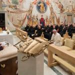 Papa participa de pregações da Quaresma com a Cúria; reflexão é conduzida por Frei Raniero Cantalamessa