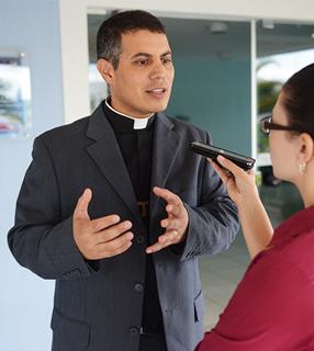 Padre Fernando durante entrevista no Jubileu do Social CN / Foto: Daniel Mafra - Portal CN