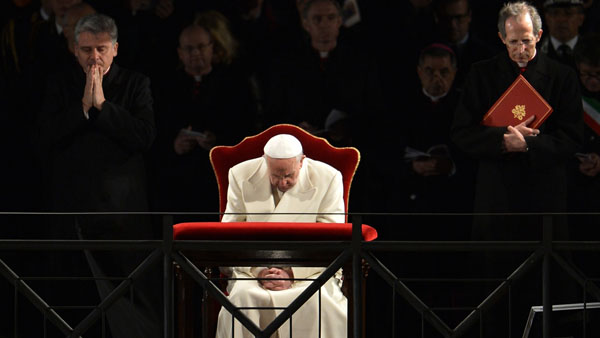 Papa Francisco em meditações na Via-Sacra / Foto: L'Osservatore Romano
