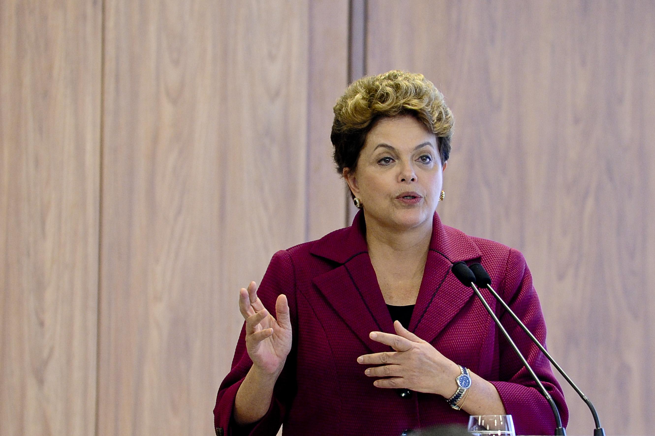 Brasilia - Presidenta Dilma Rousseff recebe o presidente da Ucr‰nia, Viktor Yanukovitch