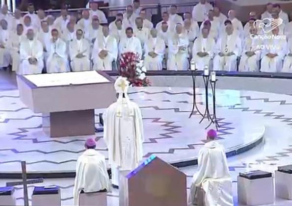 na_eucaristia_entramos_na_redencao_dom_alberto