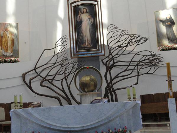 Interior do Santuário da Divina Misericórdia em Cracóvia / Foto: Padre Wladislaw Milak