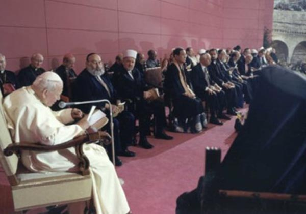 Em 2002,João Paulo II esteve em Assis para encontro pela paz / Foto: Rádio Vaticano