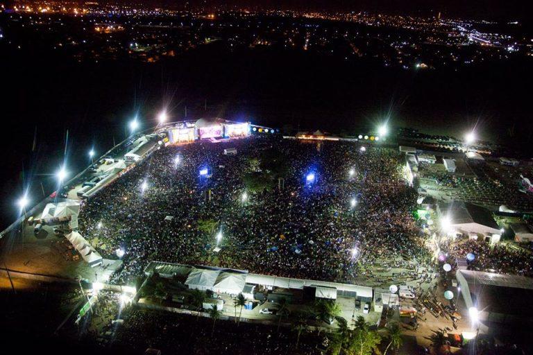 """""""A Festa que nunca acaba"""" é o slogan do maior Festival de Artes Integradas do Brasil, que nesta edição celebra 20 anos do evento / Foto: Comunidade Shalom"""