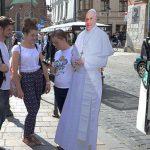 Jovens portadores de deficiência chegarão junto com o Papa de bonde para a Cerimônia de Acolhida com os Jovens./ Foto: site oficial.
