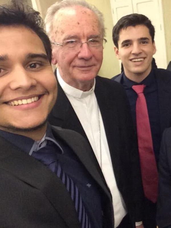 Da esquerda para a direita, Márcio Vieira, Cardeal Dom Cláudio Hummes e Lucio Iraci/ Foto: Arquivo Pessoal