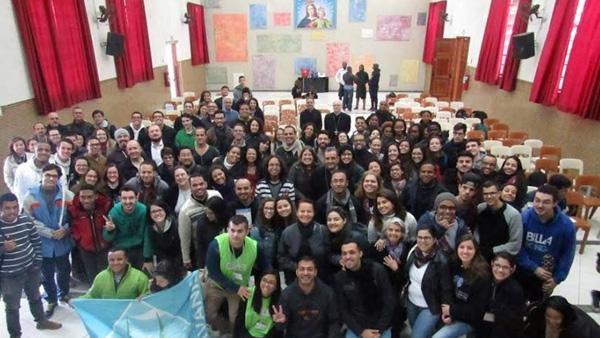 Jovens da Arquidiocese de São Paulo reunidos com o cardeal Dom Odilo Sherer / Foto: Arquivo Pessoal
