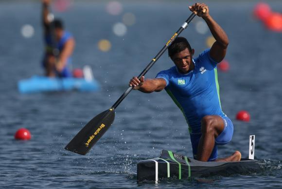 Isaquias Queiroz conquista prata em sua primeira Olimpíada./ Foto: Divulgação/ Comitê Olímpico Brasileiro