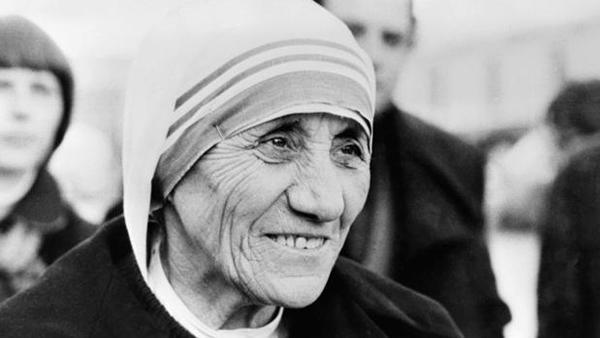 madre-teresa_canonização