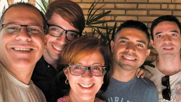 Renato Rosseti com a esposa e os três filhos./ Foto: Arquivo Pessoal.