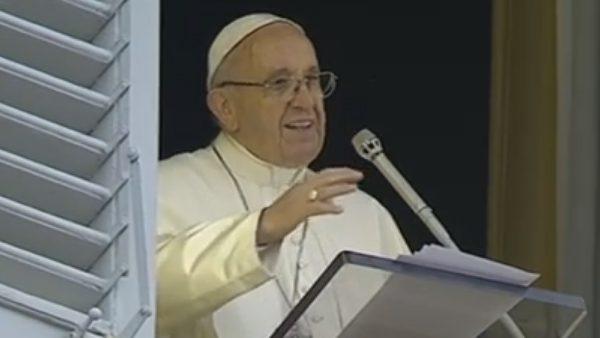 Papa Francisco no Ângelus na manhã deste domingo, 6./ Foto: Reprodução CTV