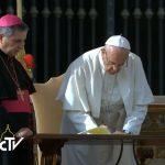 Papa assinou carta apostólica na Missa de encerramento do Jubileu, em 20 de novembro de 2016 / Foto: Reprodução CTV