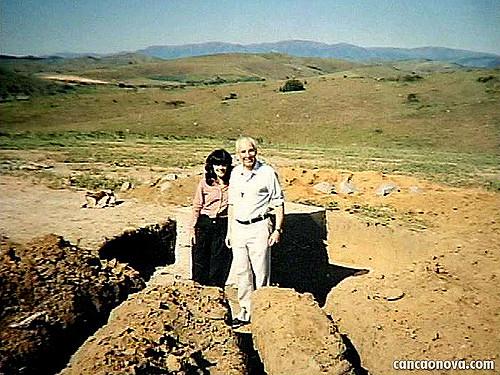 Luzia está ao lado de Monsenhor Jonas há 38 anos / Foto: Arquivo Canção Nova