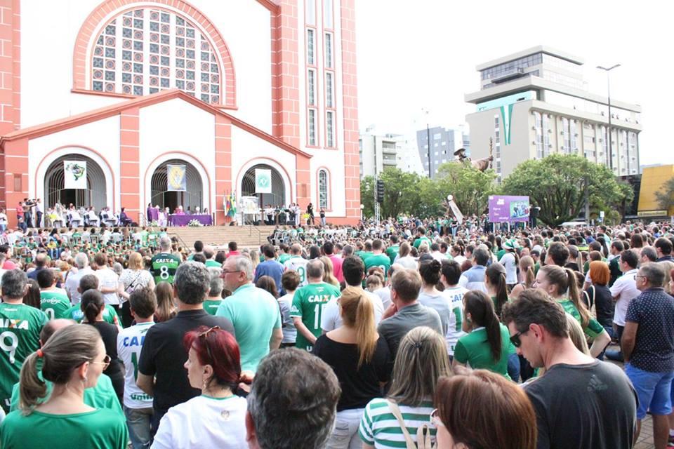 Cerca de 2000 pessoas participaram da Missa de Sétimo dia / Foto: Diocese de Chapecó