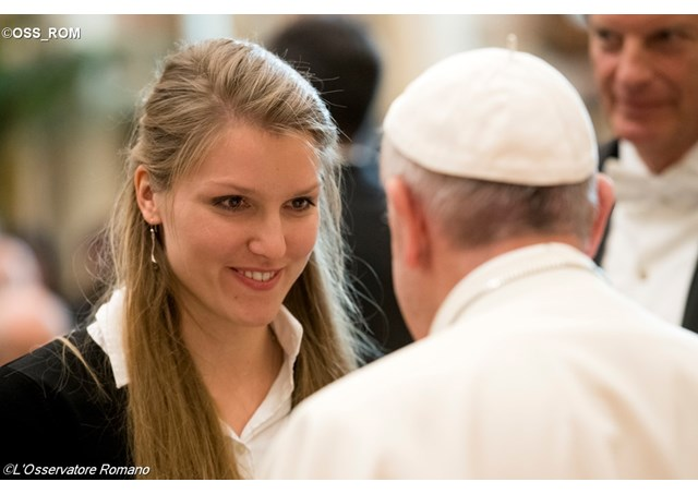 papa estudantes exterior - losservatore