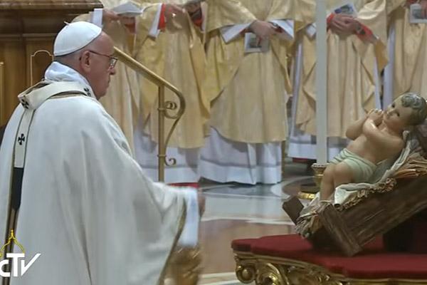 Papa durante Missa de Natal no Vaticano em 2015 / Foto: Arquivo - Reprodução CTV