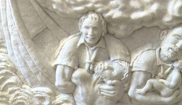 escultura lampeduza