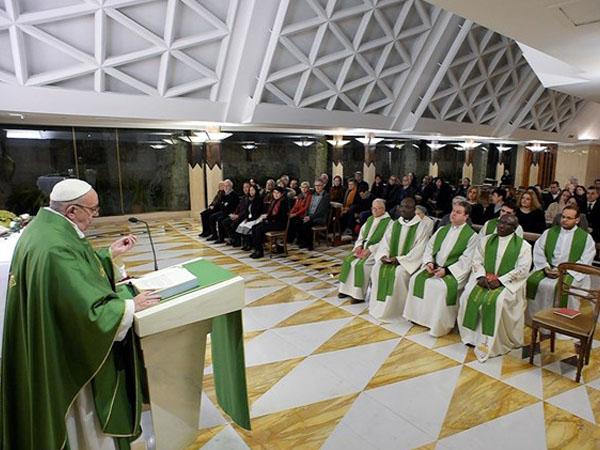 Papa durante Missa na Casa Santa Marta / Foto: Rádio Vaticano