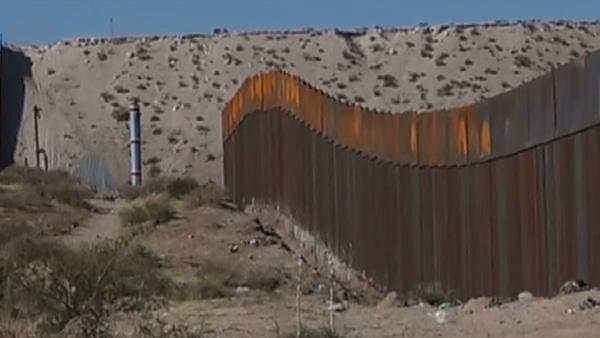 Construção do muro foi uma das promessas mais polêmicas da campanha de Donald Trump à presidência / Foto: Reprodução Reuters