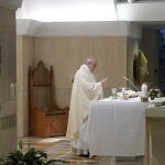 Francisco durante a celebração matutina / Foto: Rádio Vaticano