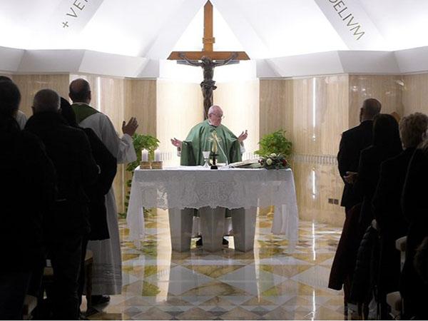 Papa destaca que Jesus tinha autoridade porque era humilde servo, coerente e próximo às pessoas / Foto: Rádio Vaticano