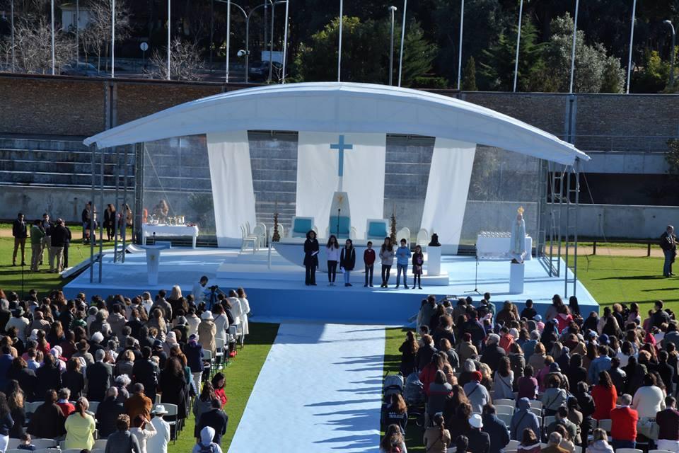 Celebração durante a qual foi abençoada a imagem de Nossa Senhora de Fátima para ser enviada ao Iraque / Foto: AIS
