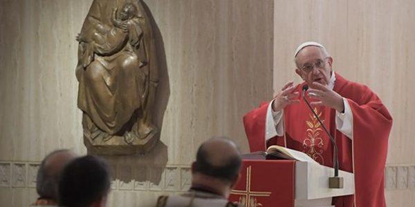 Papa durante missa na capela da Casa Santa Marta / Foto: L'Osservatore Romano
