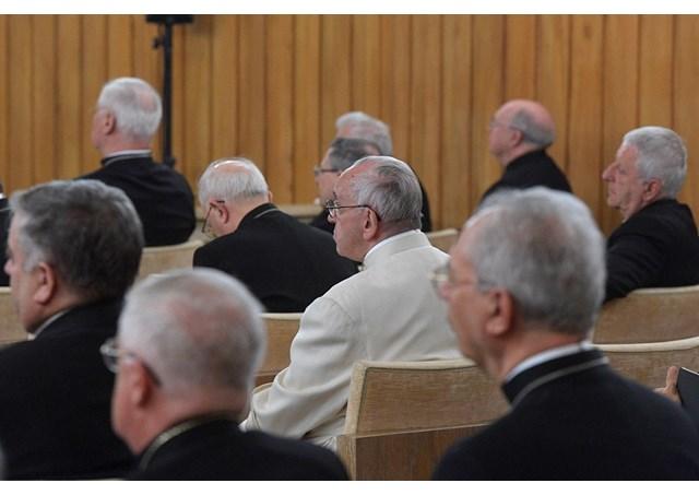 Papa e a Cúria reunidos em retiro / Foto: Rádio Vaticano
