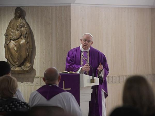 Para esse tempo de Quaresma, Francisco explica o verdadeiro significado do jejum / Foto: Rádio Vaticano