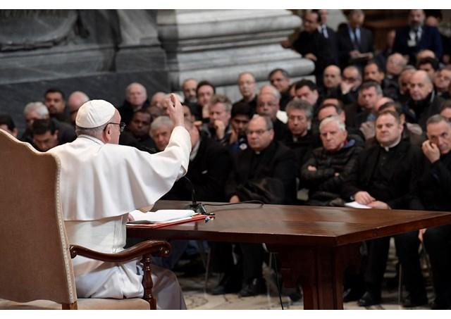 Papa reunido com os párocos de Roma / Foto: Rádio Vaticano