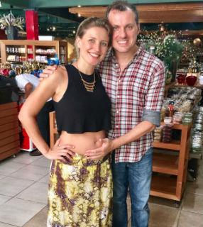 Talita e o marido, Roberto, à espera do primeiro filho / Foto: Arquivo Pessoal