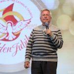 Padre colombiano fala das quatro ideias de Pentecostes
