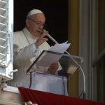 No Angelus, Papa fala sobre aspectos essenciais para a vida do missionário