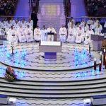 Missa na 56ª Assembleia Geral da CNBB recorda bispos falecidos