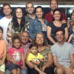 Com sete filhos e nove netos, casal conta sua vivência de família cristã