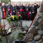 Que a Lituânia seja farol de esperança, pede Papa em oração