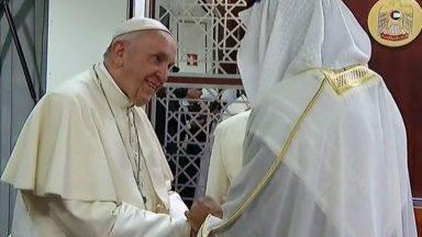 Papa nos Emirados Árabes: primeiros compromissos no país