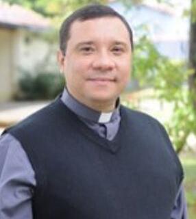 padre wagner dentro Serviço Brasileiro de Comunhão do CHARIS realiza I Conferência