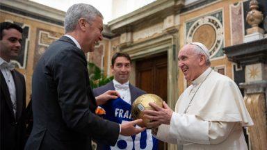 """Papa em Audiência no Vaticano: """"Fazer tudo com um olhar de bondade"""""""