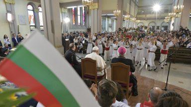 Papa se reúne com comunidade católica na Bulgária