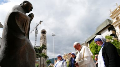 Papa visita Memorial de Madre Teresa de Calcutá, na Macedônia do Norte