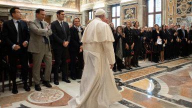Papa pede aos jornalistas: comunicação para construir e não destruir