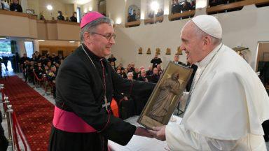 Não tenham medo de gastar a vida por amor, diz Papa aos sacerdotes