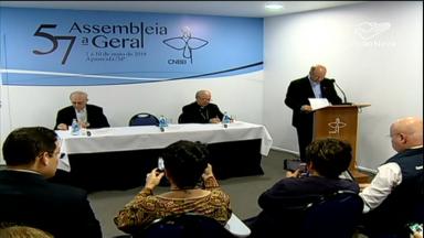 Bispos destacam comunicação, liturgia e missão das comissões no 2º dia de trabalhos