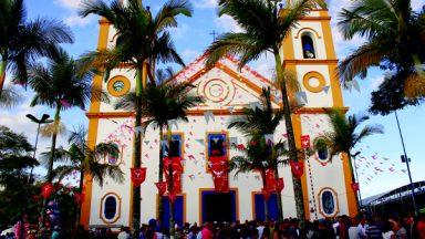 """""""Na Festa do Divino vemos a partilha, a fraternidade, a alegria"""", diz padre"""