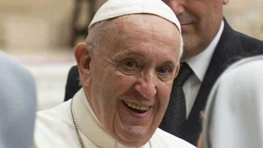 Papa: esperar no diálogo um mundo de fraternidade e de paz