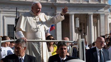 Na Audiência Geral, Papa recorda viagem apostólica à África