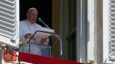 'Deus é pai que aguarda o retorno do filho pródigo', afirma o Papa