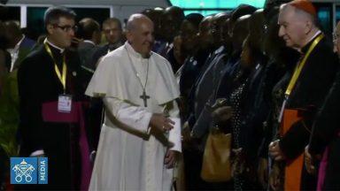 Papa chega a Moçambique para sua 31ª viagem internacional