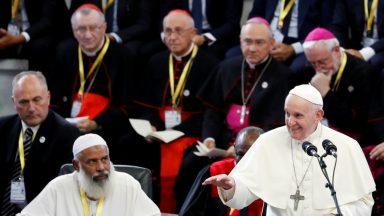 Papa aos jovens: continuem sendo testemunho de paz e reconciliação